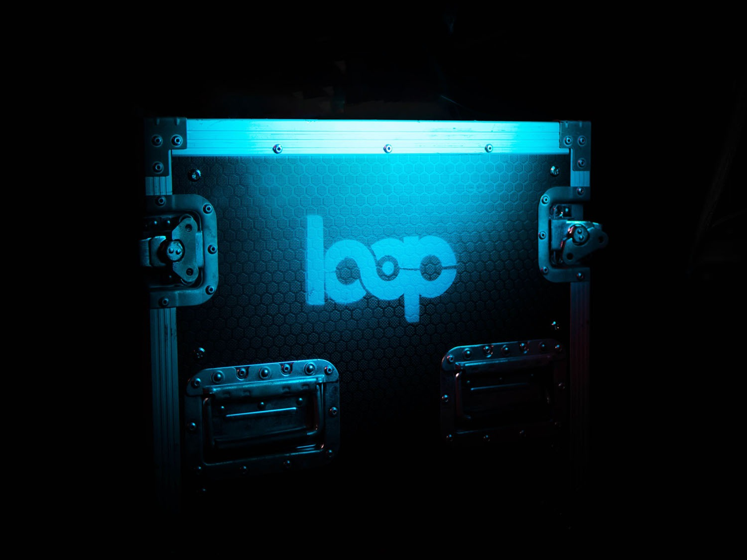Loop branded flight case