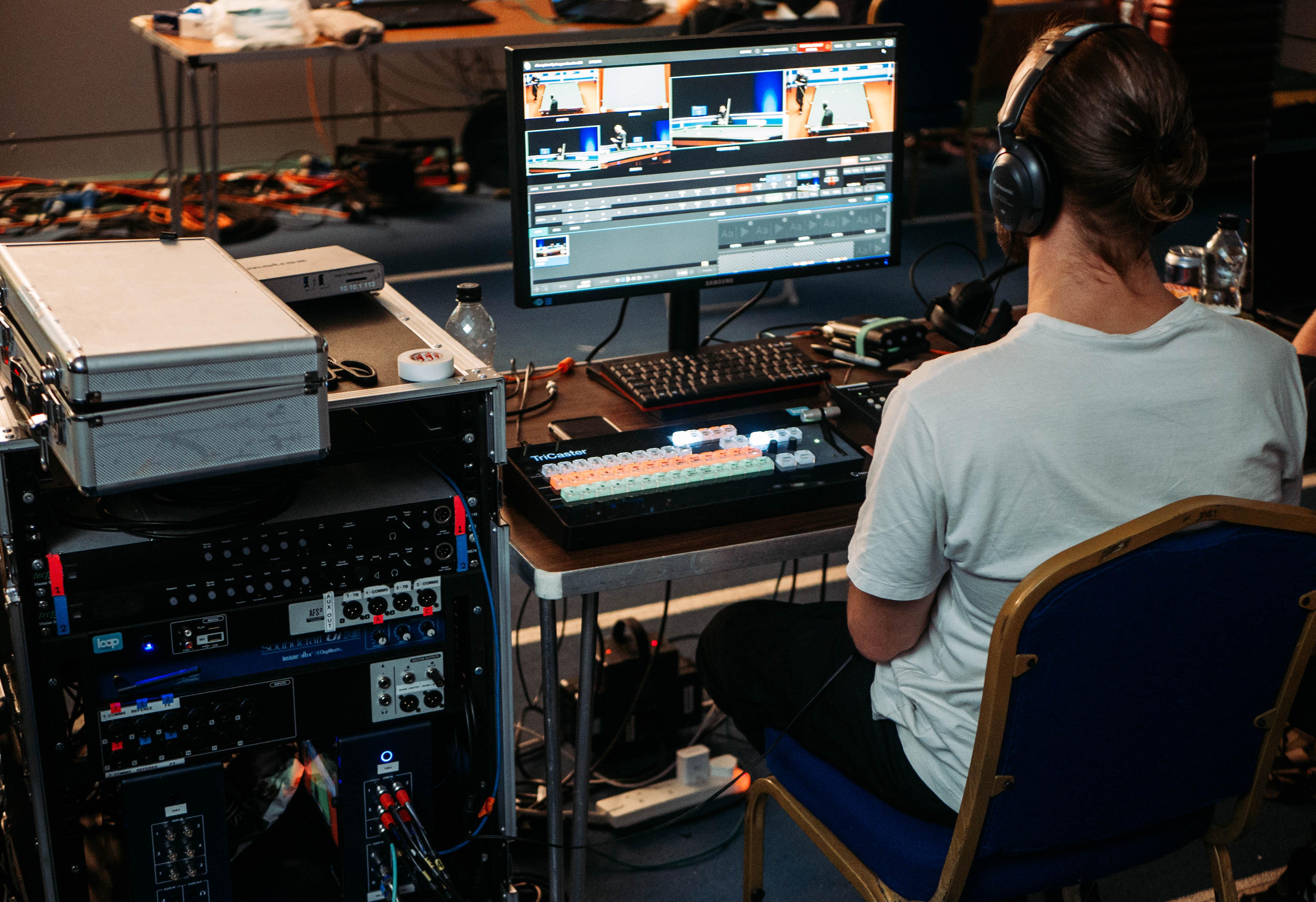 Streaming Desk